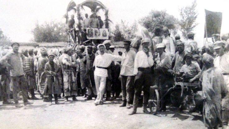 دوشنبه در سال ۱۹۲۶ - نخستین محموله تجهیزات کشاورزی که از روسیه به دوشنبه رسید