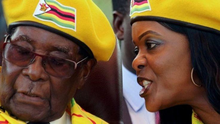 Robert Mugabe na mkewe Grace tarehe 8 Novemba 2017
