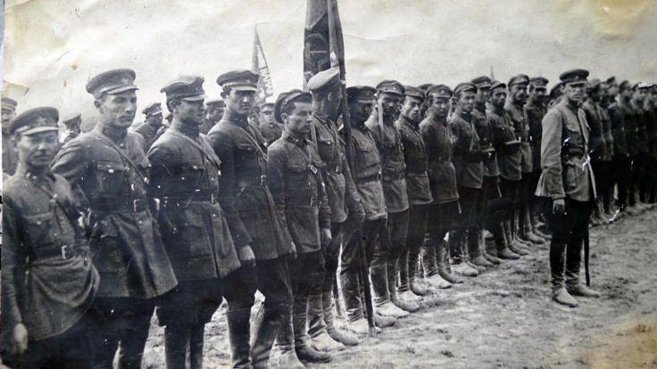نخستین هنگ سواره نظام کوهستانی که سال 1929 تاسیس شد. بسیاری از جنگاوران این دسته در سال 1929 در لشکرکشی شوروی به افغانستان برای انجام عملیات دفاع از امان الله خان که سرنگون شده بود شرکت کردند. بعدها این هنگ دسته های ابراهیم بیک را نیز از میان برد