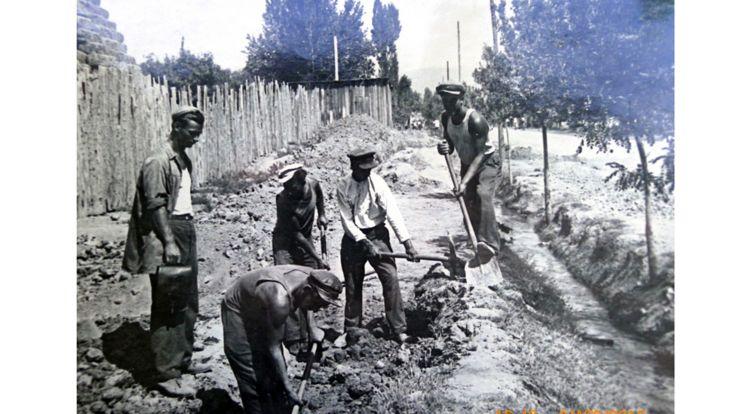 پیادهرودر خیالان لنین شهر دوشنبه در سال ۱۹۳۰ ساخته می شوند