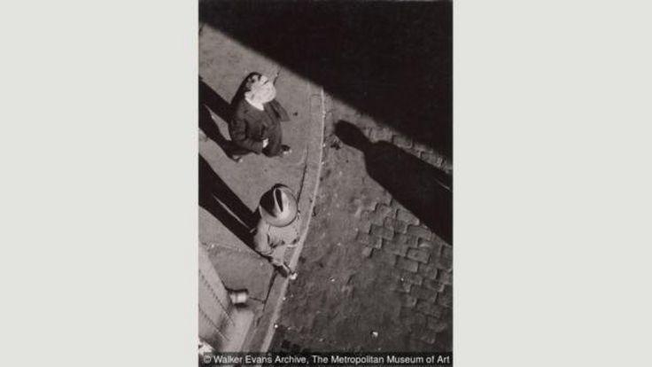 ایوانز به عکاسی از مردم عادی علاقه داشت، چیزی که در نظر خیلیها به سبک