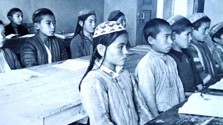 دوشنبه در سال 1933: در یکی از کلاسها مدرسه هفت ساله ها