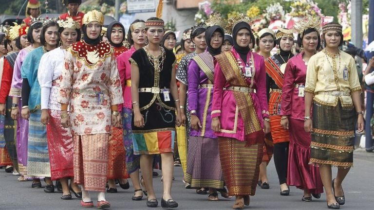 The parade featured people wearing ethnic costumes from all parts of the diverse country. Image: BBC/Fajar Sodiq