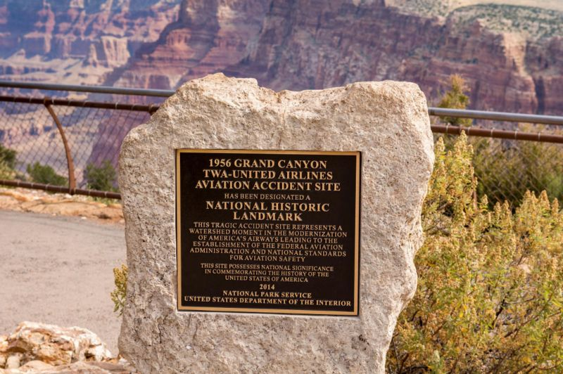 Placa sobre o acidente no Grand Canyon National Park