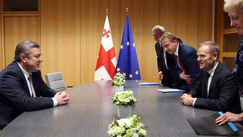 Премьер Грузии Георгий Квиркашвили и Дональд Туск