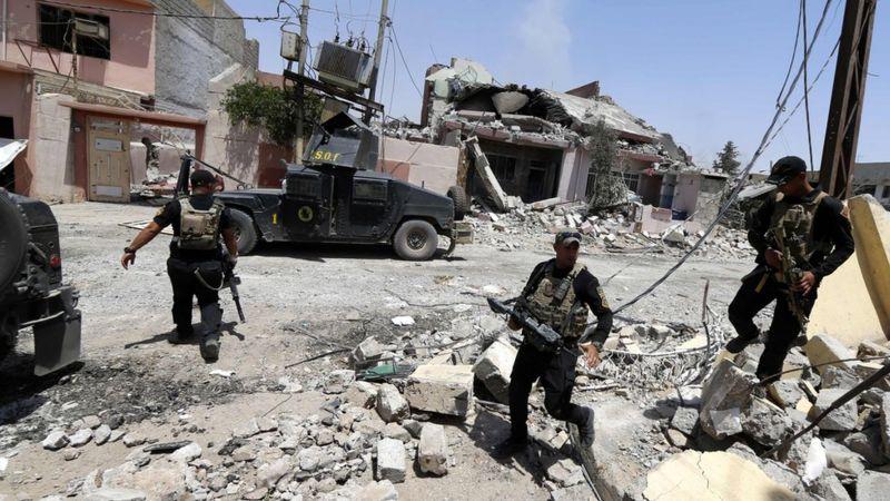 Tropas de segurança que combatem o EI em Mossul, Iraque, em foto de 29 de maio