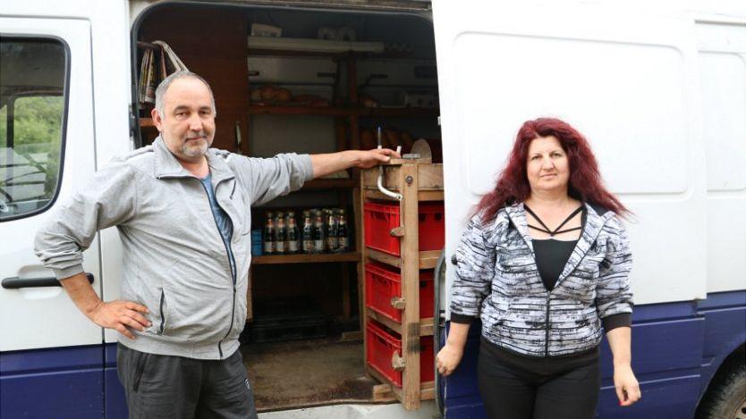 Atanas and Lili's mobile shop