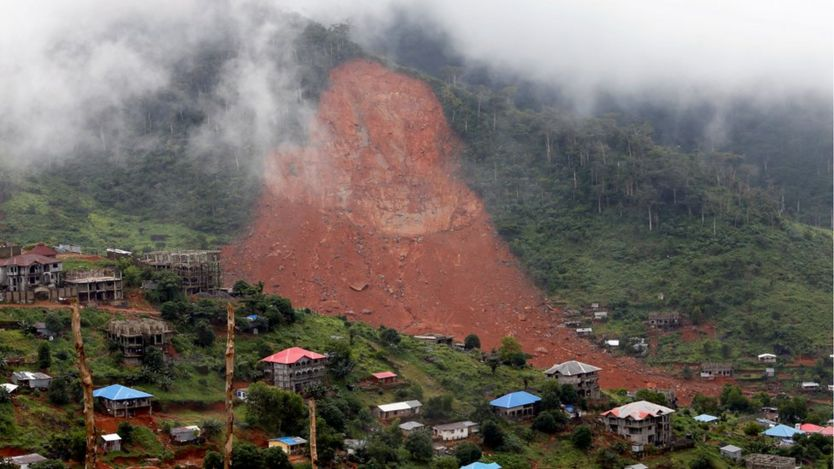 A general view of the mudslide at the mountain town of Regent, Sierra Leone August 16, 2017.