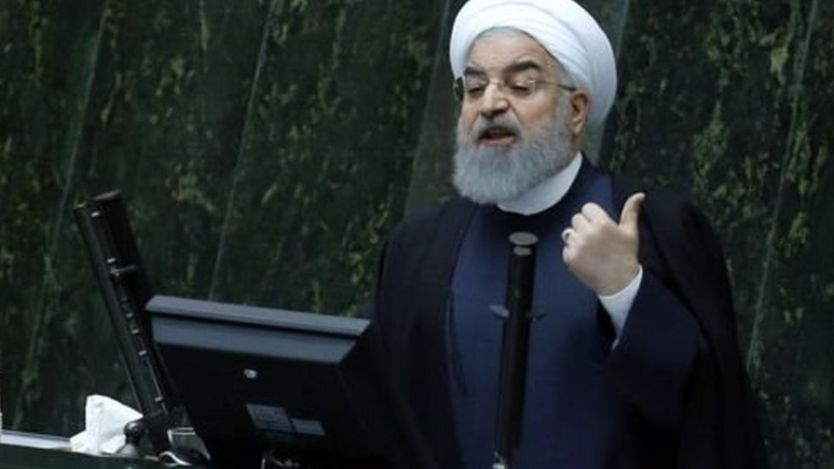 حمل بعض المتظاهرين روحاني المسؤولية عن الوضع الاقتصادي الصعب