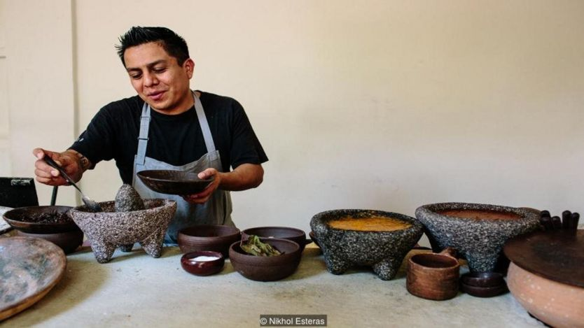 Chef Ricardo Arellano uses the ants to make a sauce flavoured with chili and avocado leaves