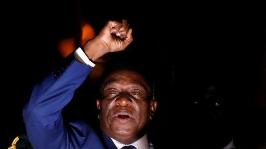 Emmerson Mnangagwa akiwahutubia wafuasi wake mjini Harare, Zimbabwe. tarehe 22 Novemba, 2017