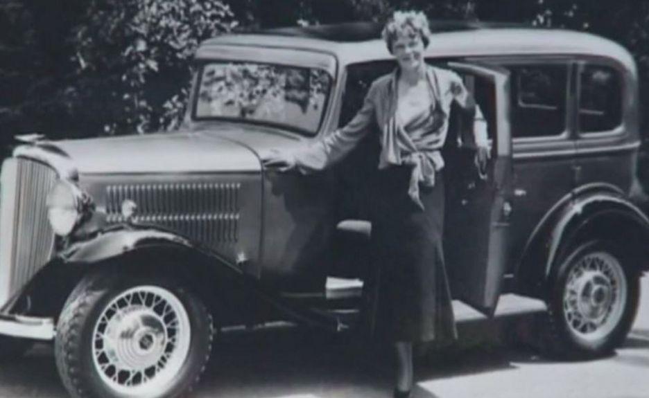 Amelia Earhart's stolen car found in Los Angeles (bbc.com)