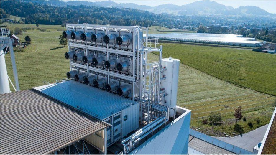 China prueba un purificador gigante para descontaminar el aire urbano _98763289__98599196_10climeworksplantgreenhousebackgroundcopyrightclimeworksphotobyjuliadunlop_preview-1