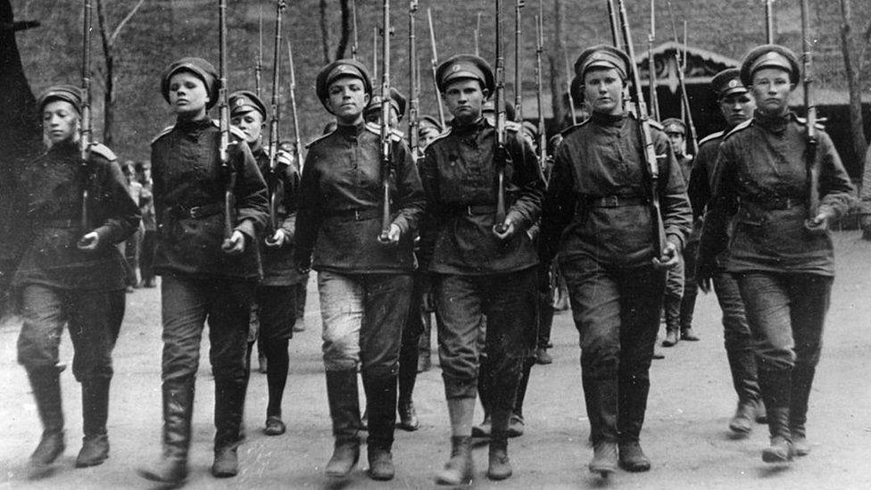 Женщинины во время марша 1917 г