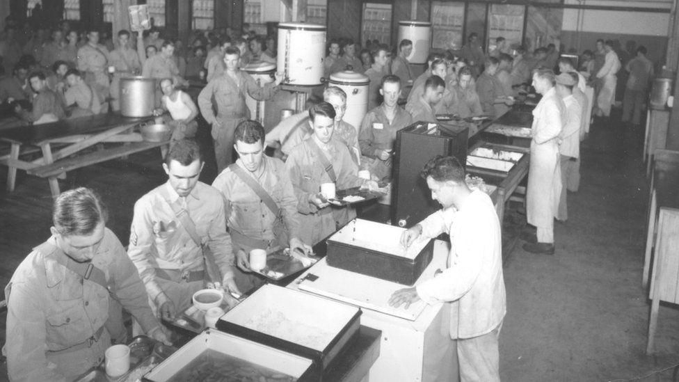 Soldados en un comedor (Foto: cortesía del Boca Raton Historical Society and Museum).