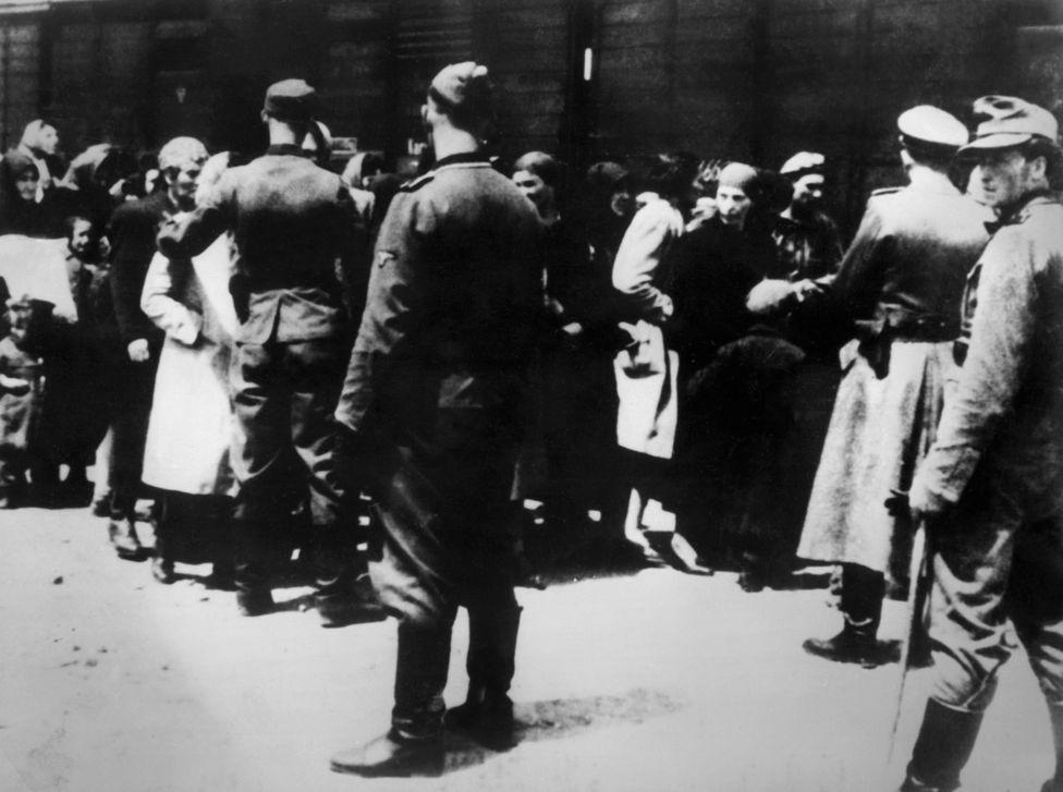 Приезд заключенных в Освенцим