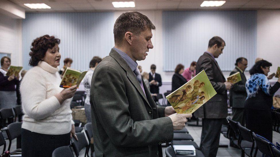 """Богослужение """"Свидетелей Иеговы"""" в Таганроге, 2015 год"""