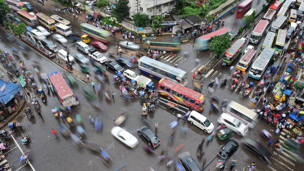 Dakka dünyanın en kalabalık ve nüfusu en hızlı artan kentlerinden biri
