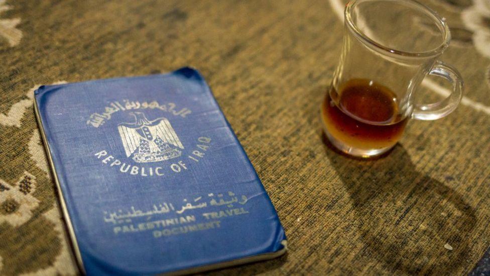 Seyahat belgesi ve çay