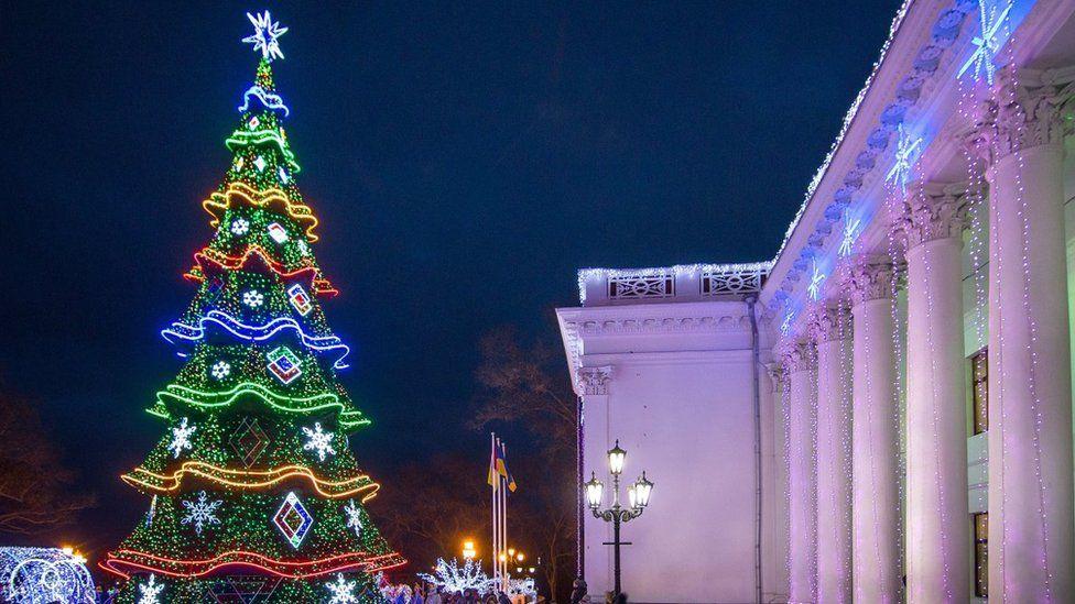 Головна ялинка Одеси на Думській площі