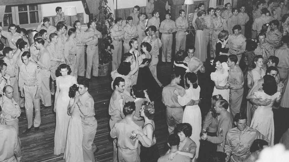 Los civiles celebraron junto a los soldados la Navidad de 1942 en las instalaciones del aeródromo. (Foto: cortesía del Boca Raton Historical Society and Museum).