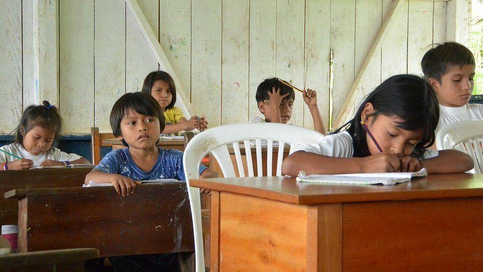 Escola em Kapawi