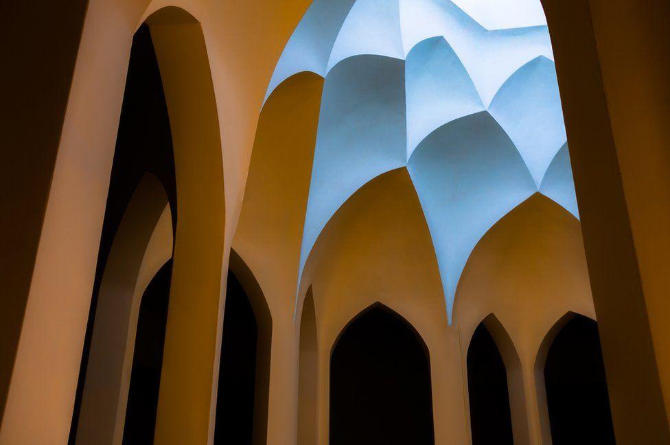 Архитектурное здание в Иране