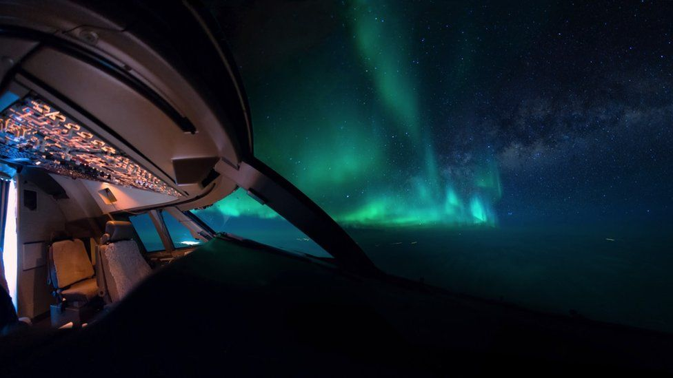 _95132099_aurora-cockpit-milkyway-night-wideangle-vanheijst_1600px.jpg