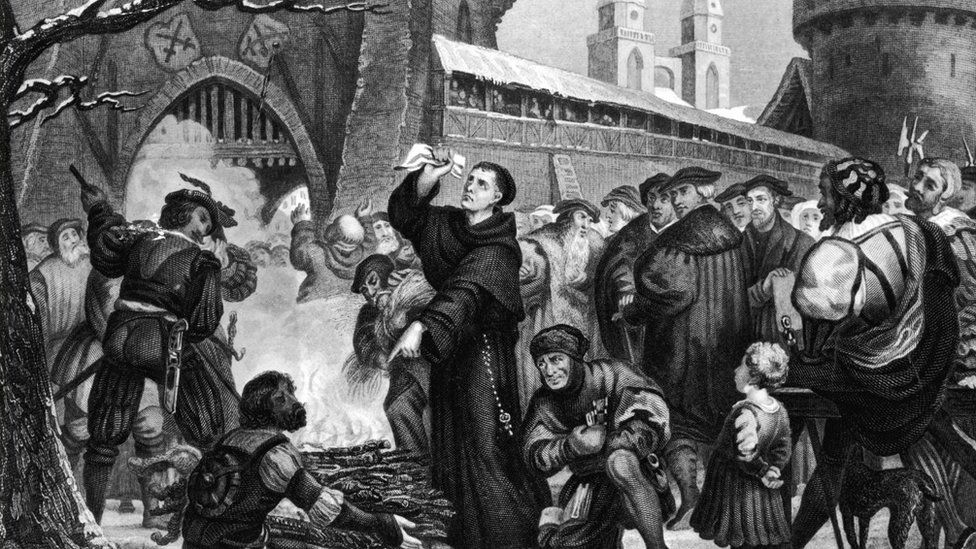 the points of contentions between martin luther and the roman catholic church 1 martin luther belived faith alone can gain salvation, the catholic church believed faith and good works were necessary to get salvation 2 the catholic church believes the church interprets the bible, while ml believed you can interpret it yourself.