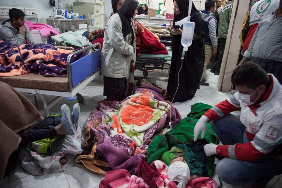Hospital in Iran attends earthquake victims