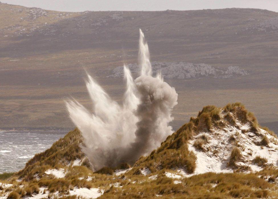 A mine is detonated near Stanley (2007)