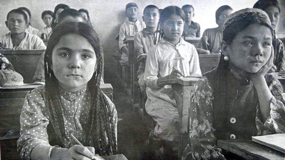 1933 год, в одном из классов школы семилетки города Душанбе