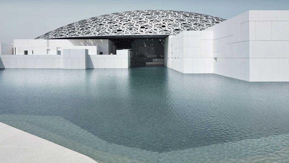 Exterior of the Louvre in Abu Dhabi exterior © Louvre Abu Dhabi, Photo: Mohamed Somji