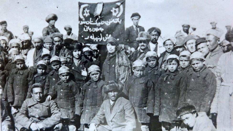 Душанбе 1925 год, в городе организован отряд первых таджикских пионеров