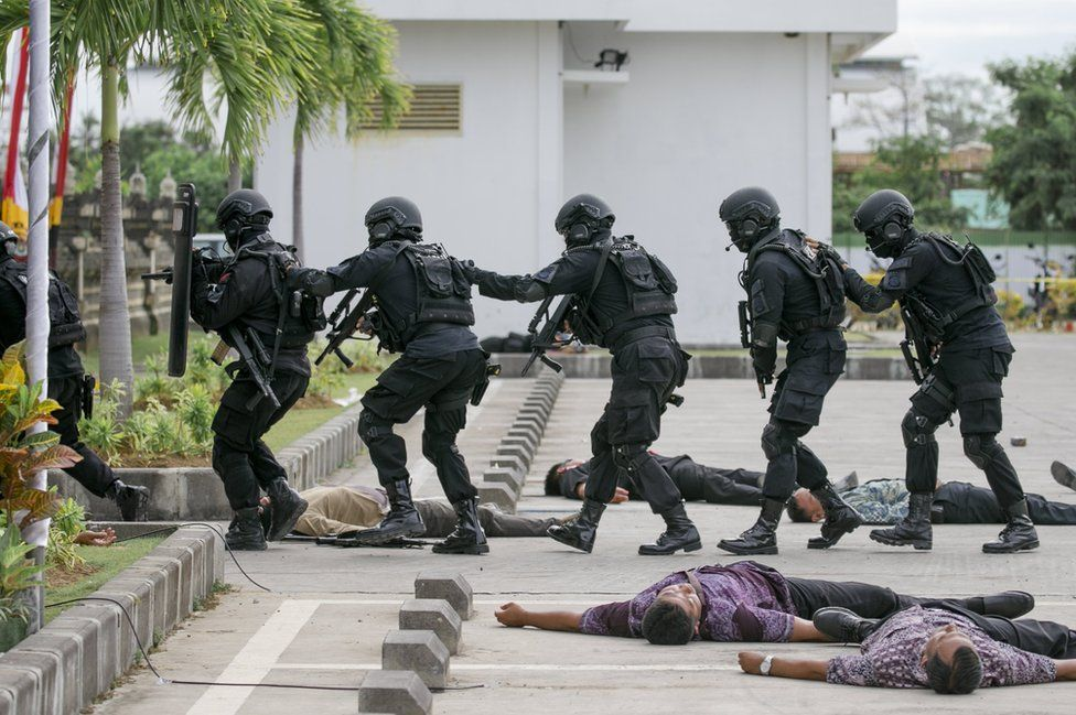 Indonesian Police demonstrate their anti-terrorism skills.