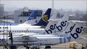 Aviones estacionados en el aeropuerto de Belfast