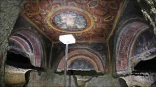 Frescos en la catacumba de Santa Tecla en Roma