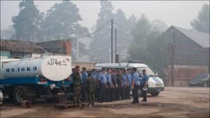 Милиция в охваченной пожарами Рязанской области