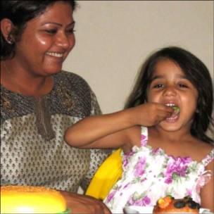 स्मिता श्रीवास्तव अपनी बेटी के साथ.