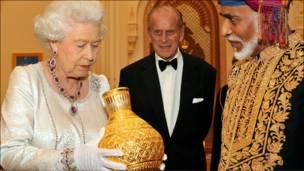 هدية من السلطان قابوس