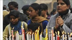 Свічки також запалили під час святкувань Різдва у Кафедральному Соборі Священного Серця в Делі, Індія.