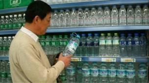 Бутылки воды в китайской провинции Сиань