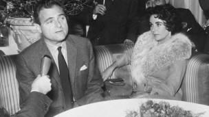 ټایلور په ۱۹۵۹ کال له سندرغاي ايدي فیشر سره واده وکړه او په ۱۹۶۴ کال یې طلاق ترې واخیست .
