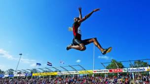 IRVING SALADINO – País: Panamá – Deporte: Atletismo (Salto largo)