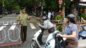 Lực lượng công an chặn đường tới Tòa án Nhân dân Tối cao