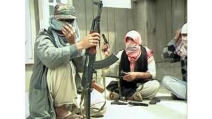 مسلحون كشميريون عام 1990