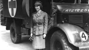 1945 год: принцесса Елизавета в военной форме