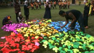 SInh viên Aceh, Indonesia bày tỏ tình đoàn kết với người dân Nhật Bản một ngày trước lễ tưởng niệm