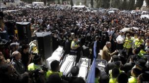 Похороны погибших во Франции