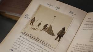 Ejemplar de la primera edición del diario de expedición del capitán Scott
